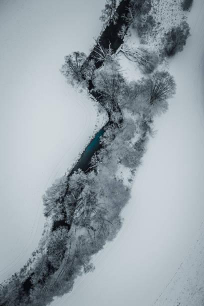 river winter shot:スマホ壁紙(壁紙.com)