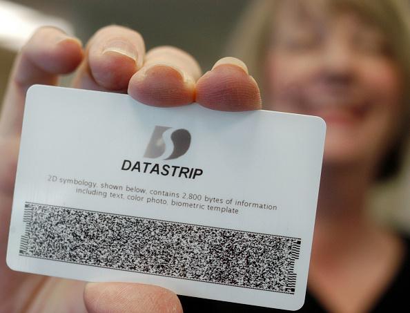 ID Card「Datastrip Develops Portable Device to Read Identification Cards」:写真・画像(7)[壁紙.com]