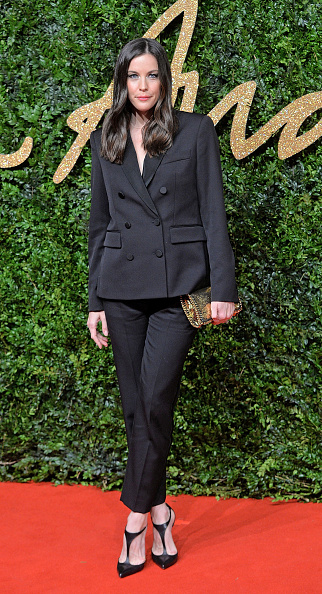女性一人「British Fashion Awards 2015 - Red Carpet Arrivals」:写真・画像(12)[壁紙.com]