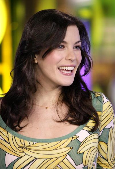MTV Times Square Studios「MTV TRL with Ben Affleck, Liv Tyler, Angelina Jolie And More」:写真・画像(19)[壁紙.com]