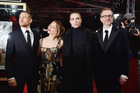 Robert Pattinson「'The Lost City of Z' Premiere - 67th Berlinale International Film Festival」:写真・画像(4)[壁紙.com]
