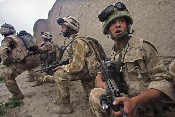 Taliban「British Forces Battle Taliban In Helmand Province」:写真・画像(4)[壁紙.com]