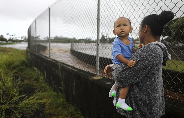 Torrential Rain「Residents Of Hawaii Prepare For Hurricane Lane」:写真・画像(12)[壁紙.com]