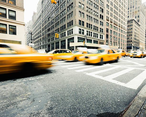 Manhattan Taxi Traffic New York City:スマホ壁紙(壁紙.com)
