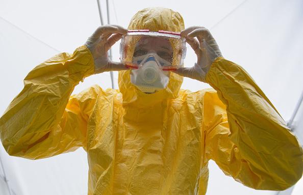 警戒「German Red Cross Trains Ebola Volunteers」:写真・画像(13)[壁紙.com]