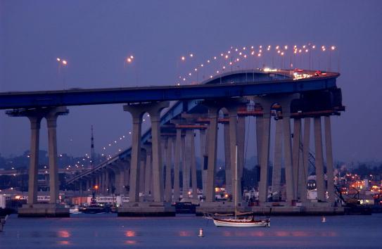 San Diego「Security After Threat of Attack on California Bridges」:写真・画像(17)[壁紙.com]