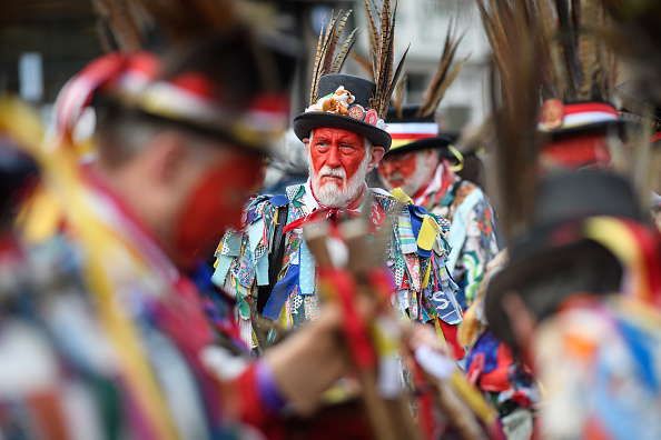 Following「Traditional Straw Bear Festival Takes Place In Whittlesey」:写真・画像(9)[壁紙.com]