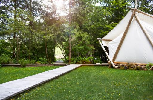 Wilderness Area「Tent and boardwalk amidst grass.」:スマホ壁紙(4)