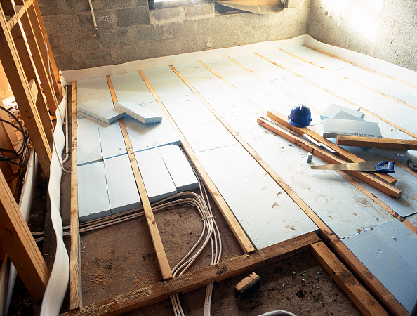 Insulation「Floorboard insulation with polystyrene sheets and underfloor heating」:写真・画像(14)[壁紙.com]