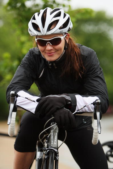 Breast「Victoria Pendleton Promoting Oakley�s Breast Cancer Care sunglasses」:写真・画像(1)[壁紙.com]
