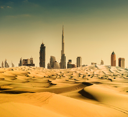 Persian Gulf Countries「dubai skyline from the desert」:スマホ壁紙(0)