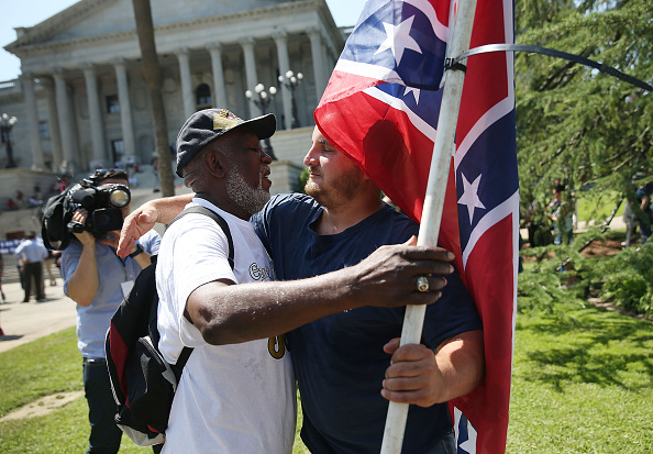 Methodist「Calls For Removal Of Confederate Flag Outside SC Statehouse Grow In Wake Of Race-Fueled Charleston Church Shooting」:写真・画像(18)[壁紙.com]