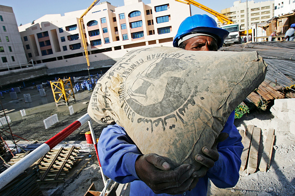 Cement「Cement, at the construction site in Abuhail, Dubai, United Arab Emirates, April 2007.」:写真・画像(1)[壁紙.com]