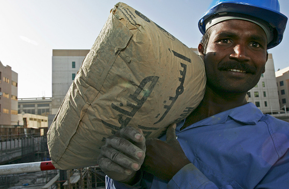Mid Adult「Cement, at the construction site in Abuhail, Dubai, United Arab Emirates, April 2007.」:写真・画像(9)[壁紙.com]