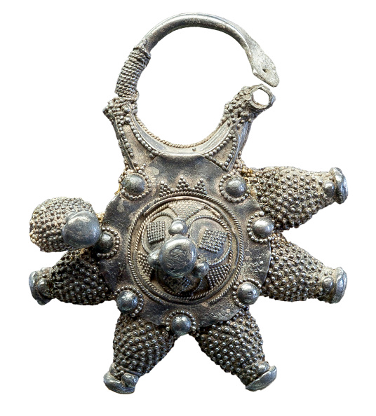 Pendant「Silver Pendant (Kolt) From Old Ryazan」:写真・画像(0)[壁紙.com]