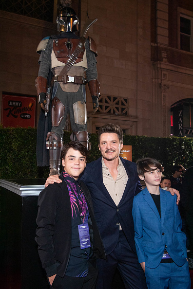 "The Mandalorian - TV Show「Premiere Of Disney+'s ""The Mandalorian"" - Red Carpet」:写真・画像(9)[壁紙.com]"