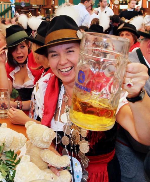 Celebratory Toast「Oktoberfest 2010 - Day 2」:写真・画像(15)[壁紙.com]