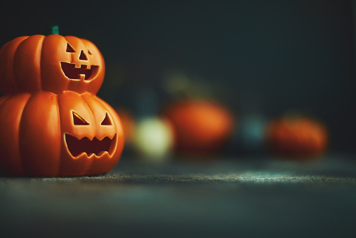 Jack O' Lantern「Halloween background with Jack O'Lantern and pumpkins」:スマホ壁紙(10)