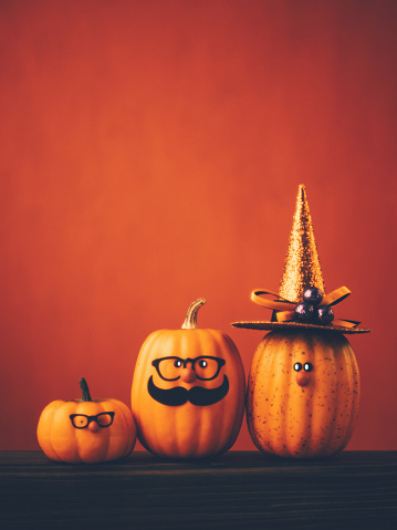 Miniature Pumpkin「Halloween background with cute pumpkin character family」:スマホ壁紙(6)