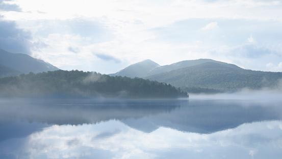 Adirondack Forest Preserve「Mist rising on Lake Placid Lake」:スマホ壁紙(7)