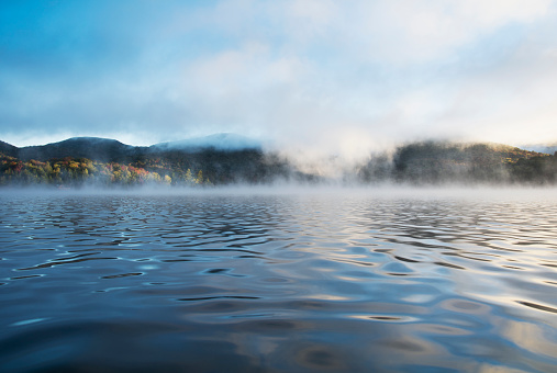 Adirondack Forest Preserve「Mist rising on Lake Placid at sunrise」:スマホ壁紙(19)