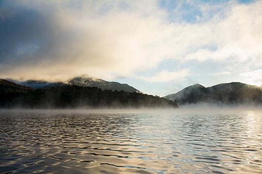 Adirondack Forest Preserve「Mist rising on Lake Placid at sunrise」:スマホ壁紙(15)