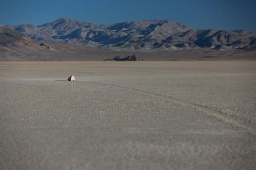 Racetrack Playa「Sailing stones at Death Valley National Park」:スマホ壁紙(18)