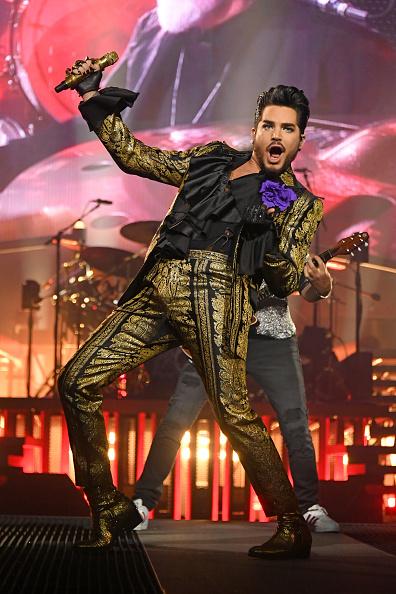 男「Queen + Adam Lambert In Concert - New York, NY」:写真・画像(6)[壁紙.com]