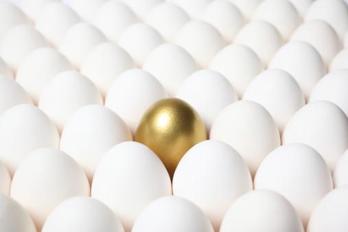投資「ゴールドの卵突出しているのは、普通の卵」:スマホ壁紙(5)