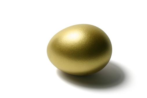 Animal Egg「Golden Egg on Isolated White Background」:スマホ壁紙(8)