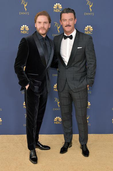 Shawl Collar「70th Emmy Awards - Arrivals」:写真・画像(8)[壁紙.com]