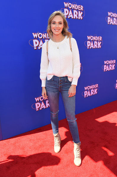"Emma McIntyre「Premiere Of Paramount Pictures' ""Wonder Park"" - Red Carpet」:写真・画像(19)[壁紙.com]"