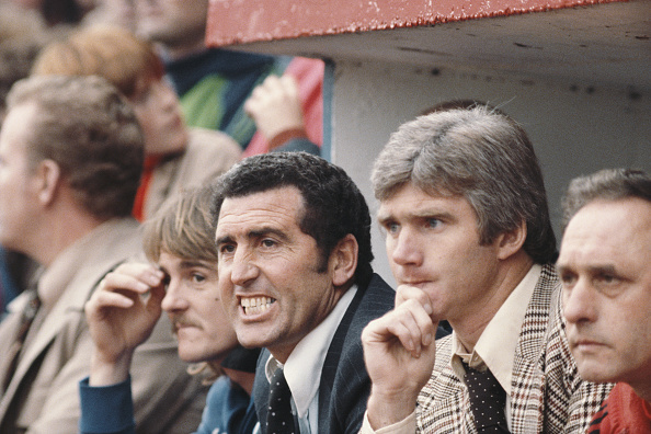 Bench「Bobby Campbell Fulham Manager 1979」:写真・画像(17)[壁紙.com]
