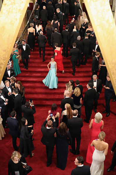 Guest「89th Annual Academy Awards - Red Carpet」:写真・画像(3)[壁紙.com]