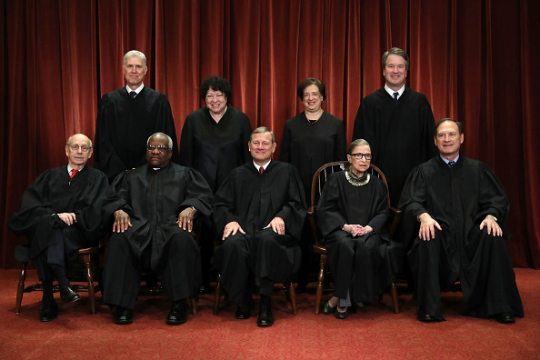 Supreme Court「U.S. Supreme Court Justices Pose For Official Group Portrait」:写真・画像(2)[壁紙.com]