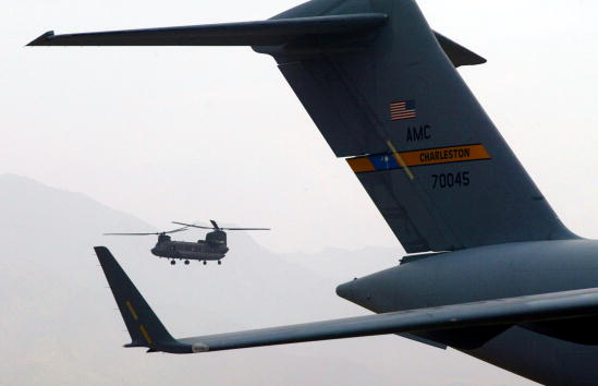 CH-47 Chinook「Operation Mountain Lion in Eastern Afghanistan」:写真・画像(14)[壁紙.com]