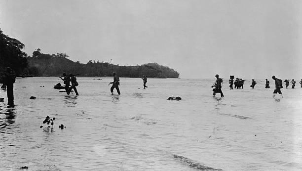 US Marines In Tulagi During Battle At Guadalcanal:ニュース(壁紙.com)