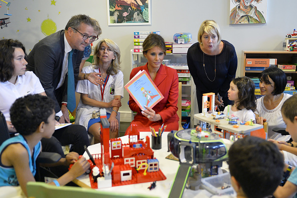 Coat - Garment「US First Lady Melania Trump On Official Visit In Paris : Day One」:写真・画像(15)[壁紙.com]