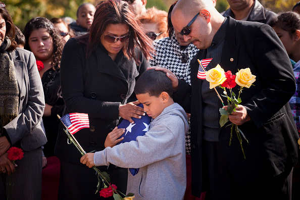 Michael Nagle「Marine Lance Corporal Killed In Afghanistan Is Buried In New Jersey」:写真・画像(3)[壁紙.com]