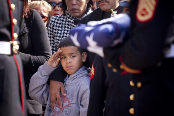 Michael Nagle「Marine Lance Corporal Killed In Afghanistan Is Buried In New Jersey」:写真・画像(2)[壁紙.com]