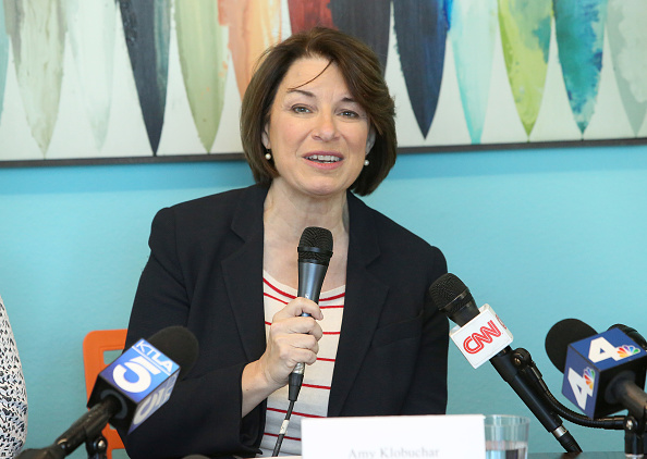 Jesse Grant「Community Corp Discusses Affordable Housing Crisis with Presidential Candidate Amy Klobuchar at New Development in Santa Monica」:写真・画像(10)[壁紙.com]