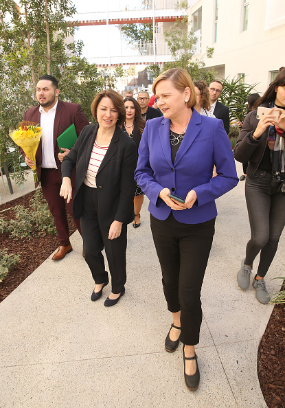 Jesse Grant「Community Corp Discusses Affordable Housing Crisis with Presidential Candidate Amy Klobuchar at New Development in Santa Monica」:写真・画像(13)[壁紙.com]