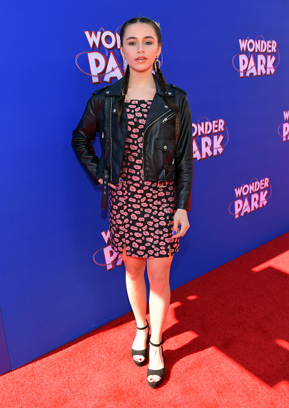 "Emma McIntyre「Premiere Of Paramount Pictures' ""Wonder Park"" - Red Carpet」:写真・画像(16)[壁紙.com]"
