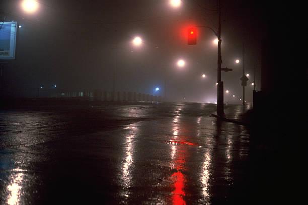 Night Fog:スマホ壁紙(壁紙.com)
