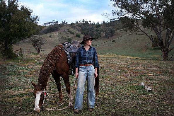 Lisa Maree Williams「Aspiring Jackaroos & Jillaroos Learn Station Skills At Australian School」:写真・画像(19)[壁紙.com]