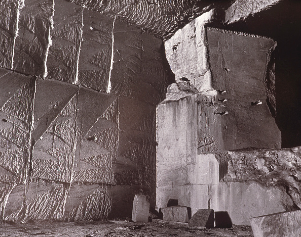 Nouvelle-Aquitaine「Ancient quarry, Angouleme, France」:写真・画像(3)[壁紙.com]