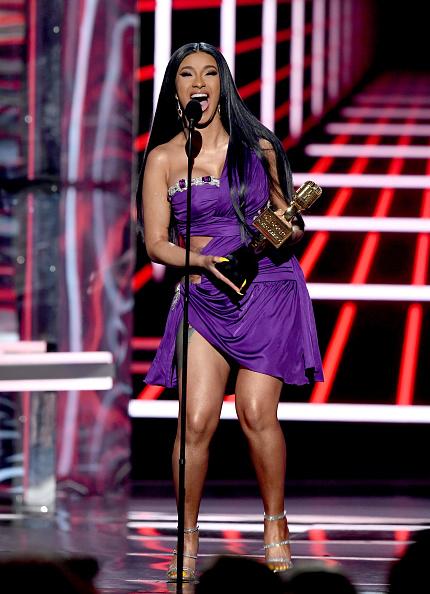 Embellished Dress「2019 Billboard Music Awards - Show」:写真・画像(1)[壁紙.com]