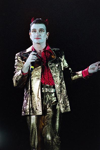 Horned「Bono performs as Mr MacPhisto 1992」:写真・画像(10)[壁紙.com]