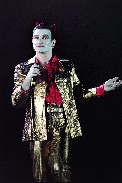 Horned「Bono performs as Mr MacPhisto 1992」:写真・画像(5)[壁紙.com]