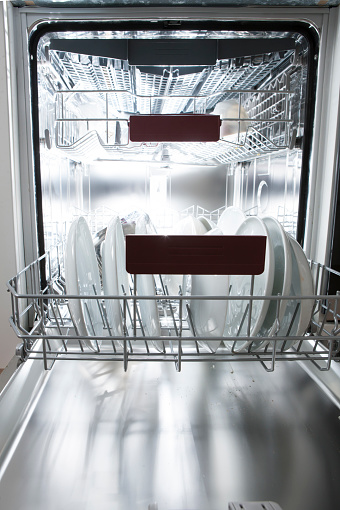 Dishwasher「Dishwasher in kitchen with dirty dishes」:スマホ壁紙(4)
